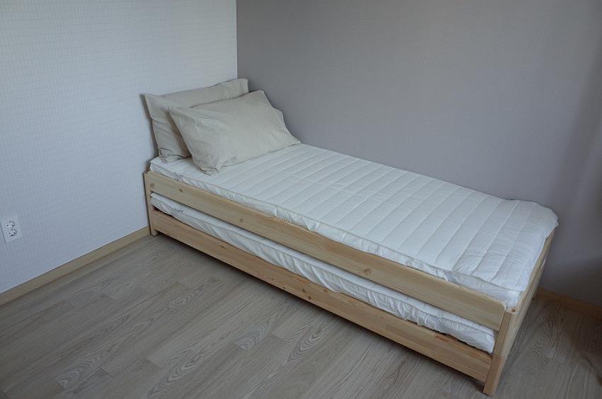 이케아 우토케르 적층식 침대 - 손님용 간이침..